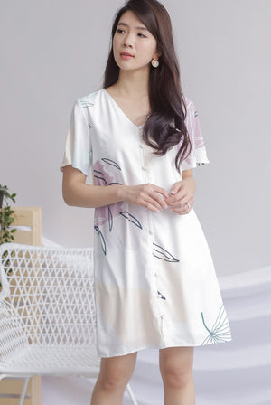 Guin Sleeved Buttons Dress In White