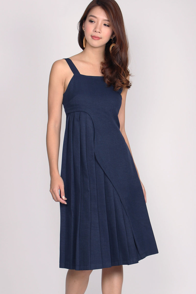 Haddie Wave Hem Pleated Dress In Navy Blue