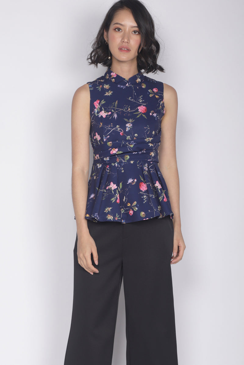 Haldis Removable Oriental Collar Top In Navy Blue
