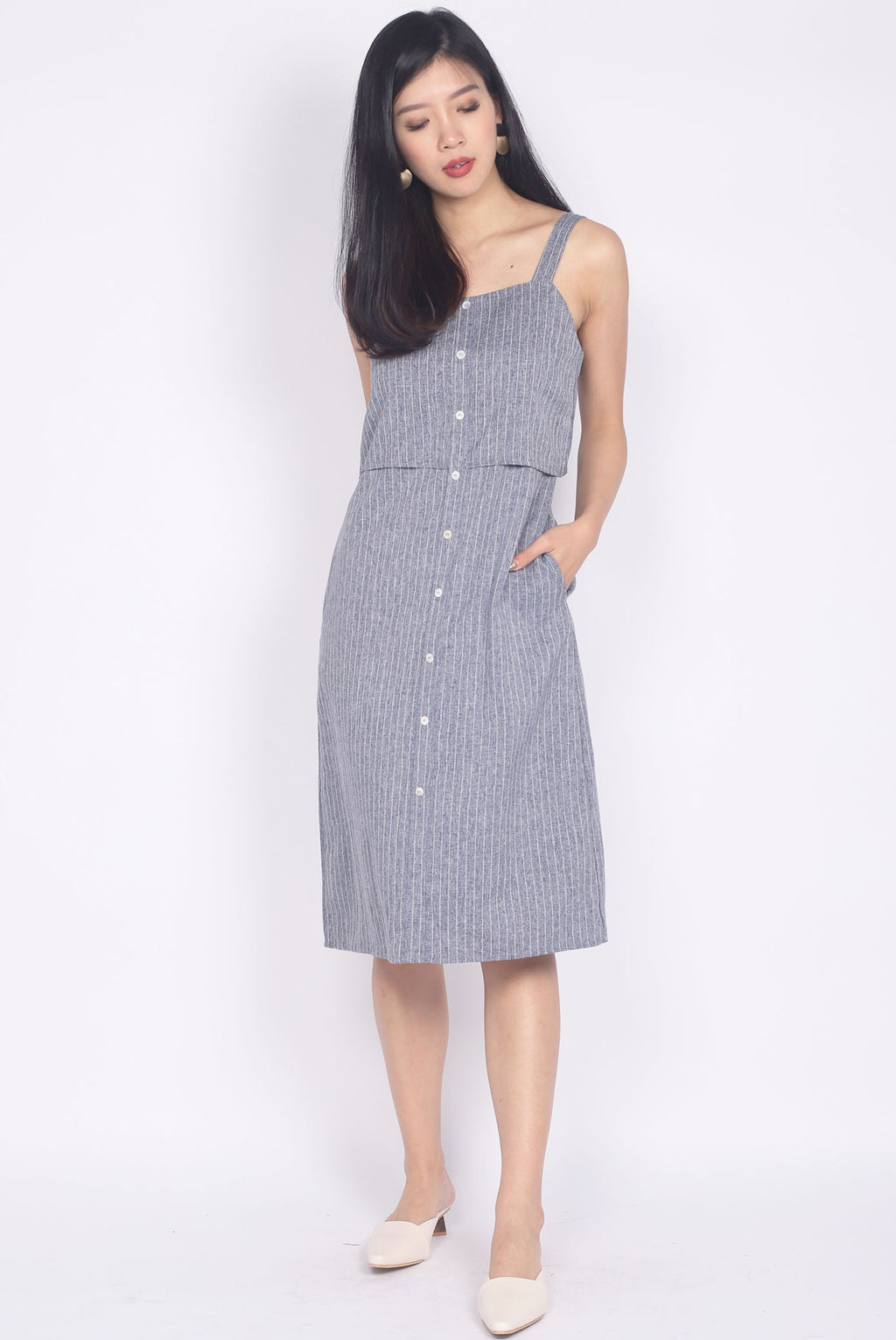 Hartley Two Tier Buttons Dress In Tweed