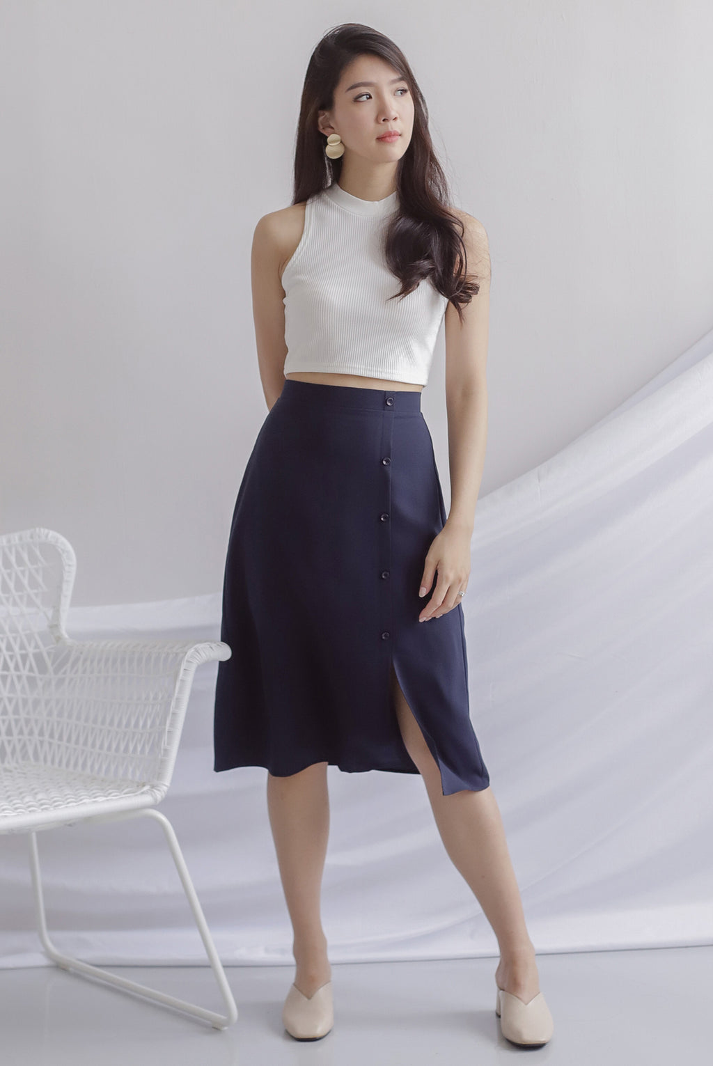 Hattie Buttons Slit Skirt In Navy Blue