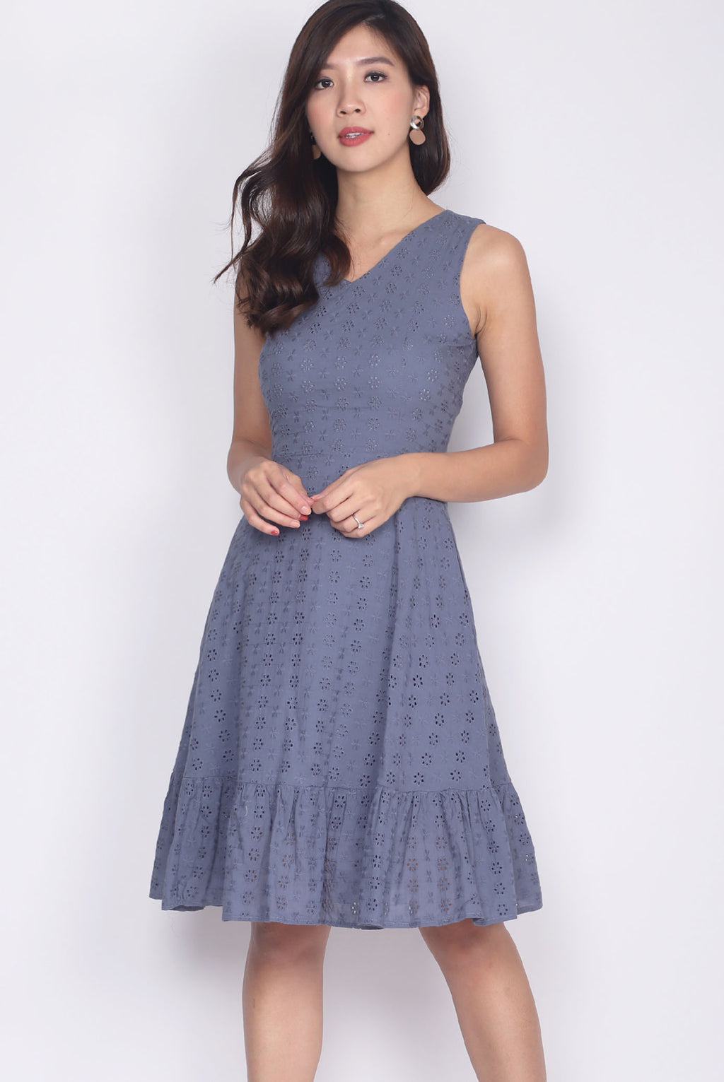 Hattie Eyelet Drop Hem Dress In Blue