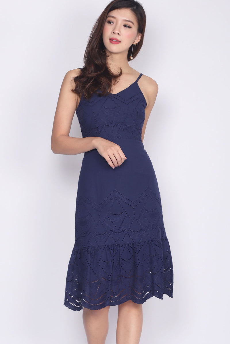 Hegel Eyelet Spag Drop Hem Dress In Navy Blue