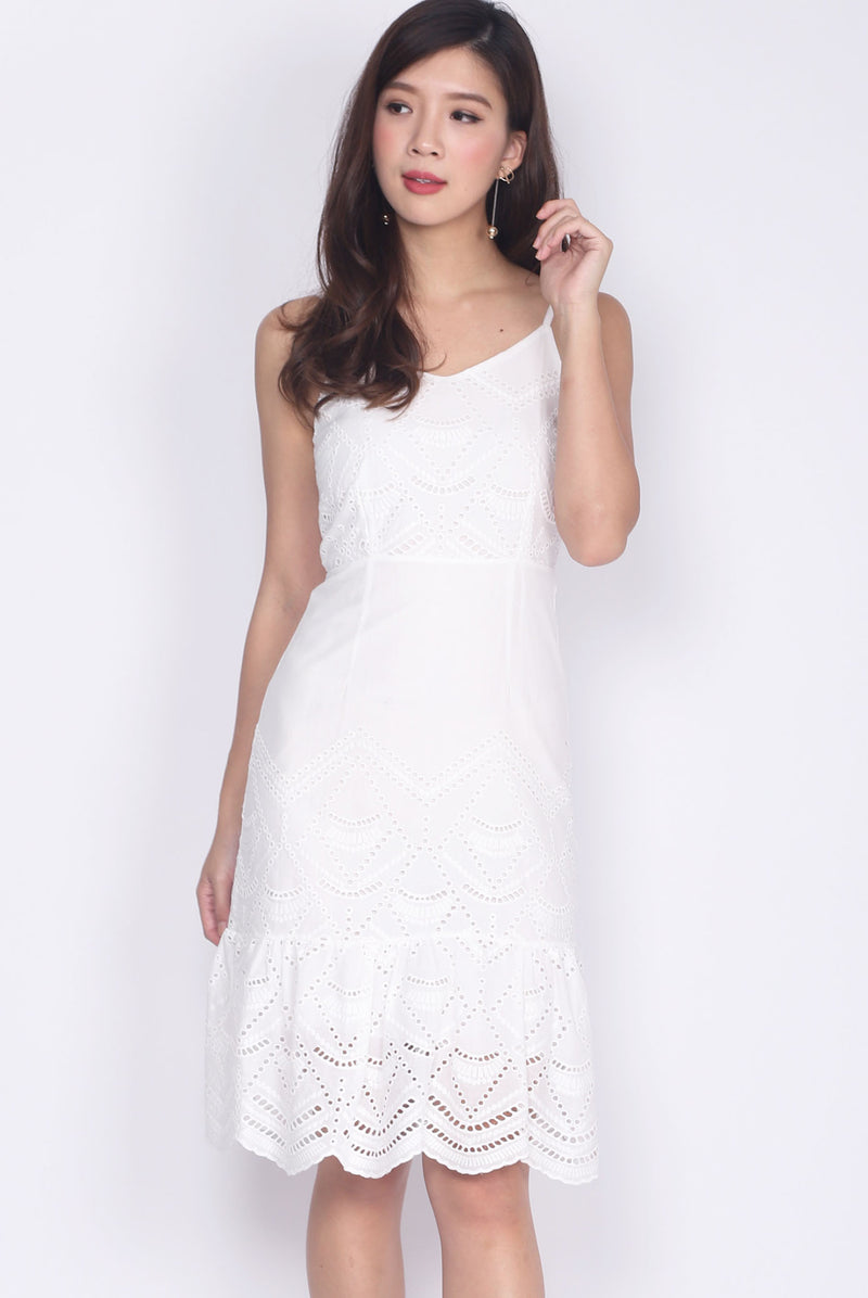 Hegel Eyelet Spag Drop Hem Dress In White