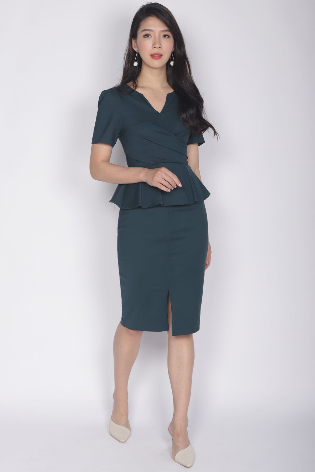 Helyn Sleeved Peplum Dress In Forest Green