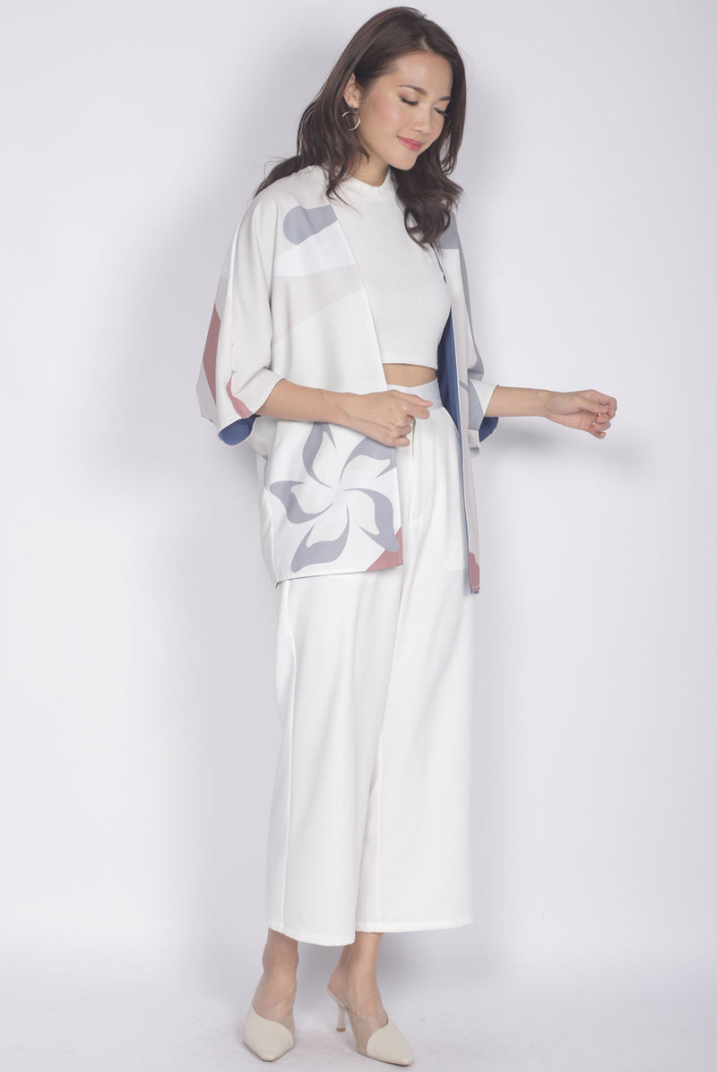 Ichene Flower Reversible Kimono Outerwear In Cream