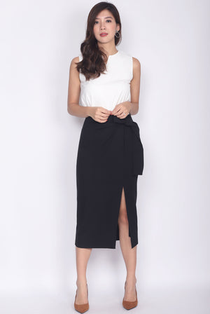 Iolette Tie Up Slit Cut Skirt In Black