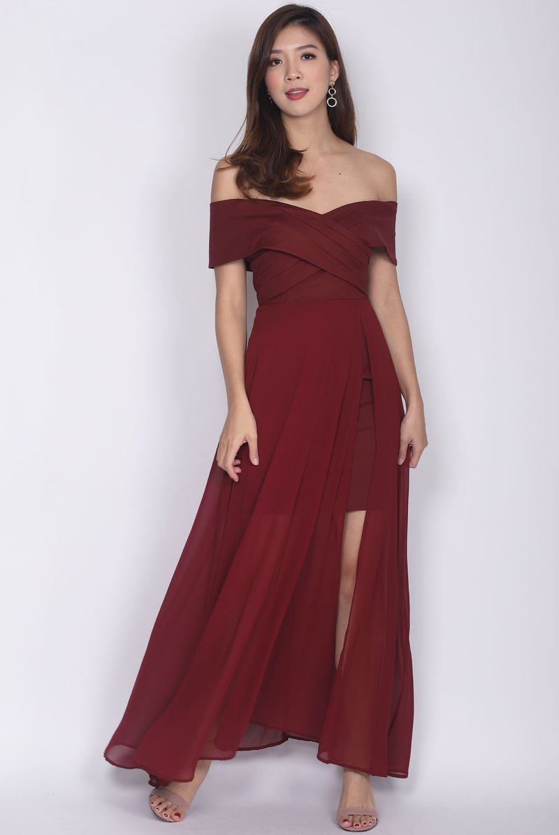 Izabelle Pleated Off Shoulder Maxi Dress In Wine Red