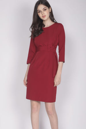 Jinger Belted Sleeve Dress In Wine Red
