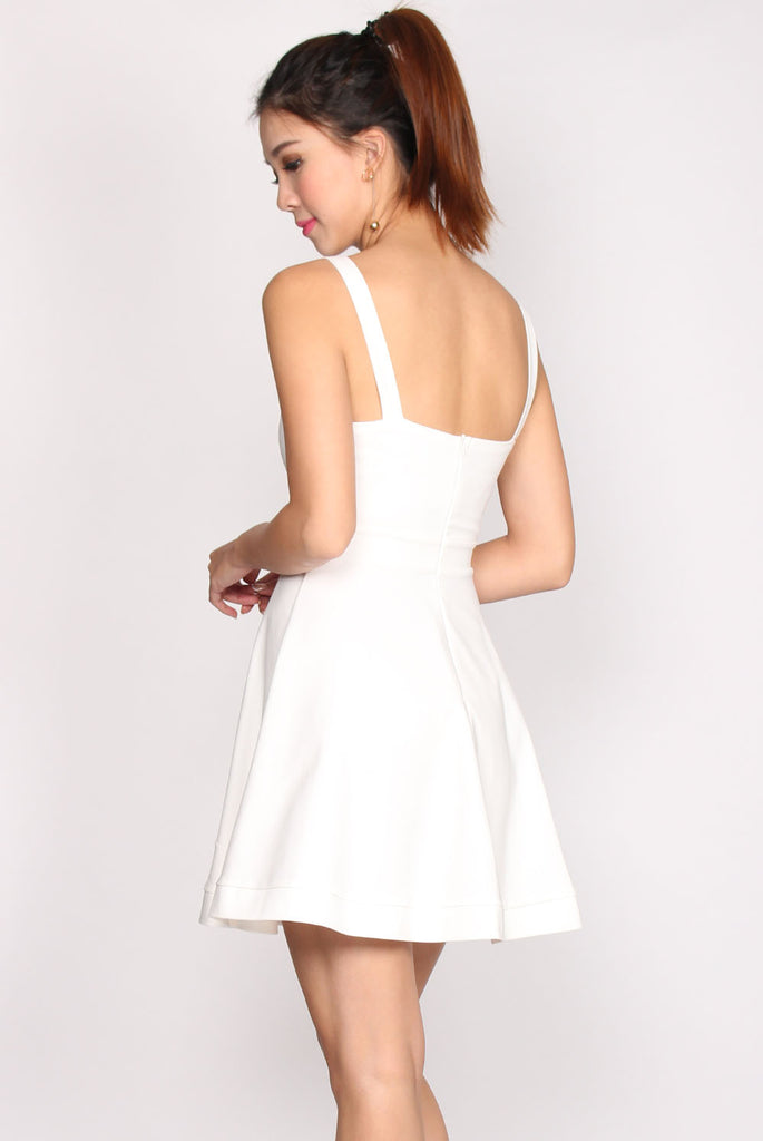 Kaley Sweetheart Flare Dress In White