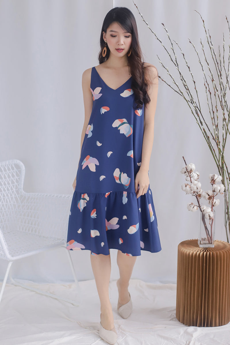 Keres Abstract Drop Hem Dress In Navy Blue