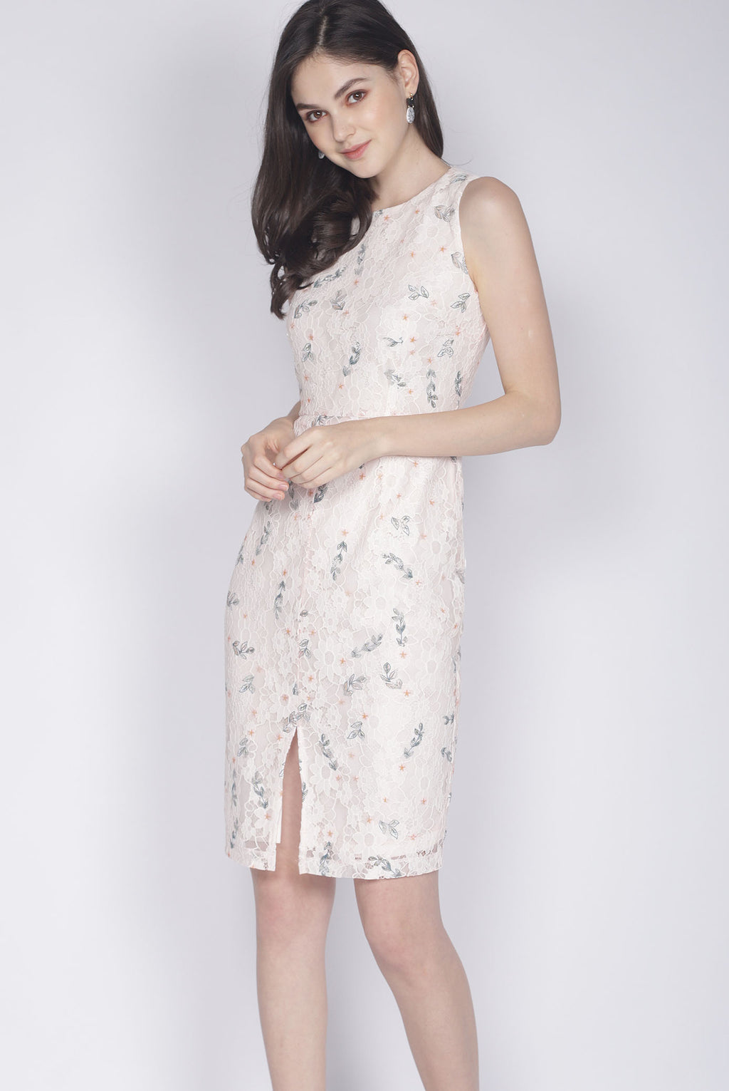 Kristy Floral Lace Removable Collar Dress In Peach