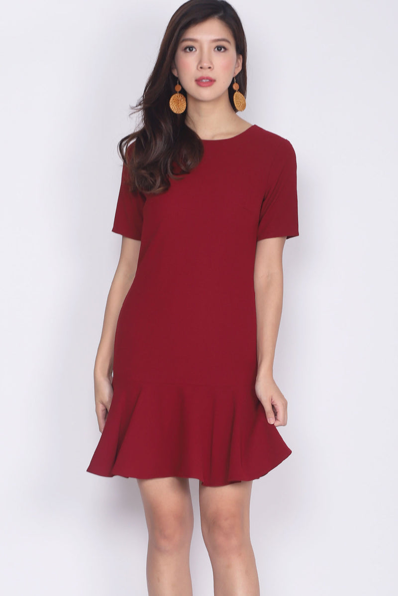 Kristy Sleeved Drop Hem Dress In Wine Red