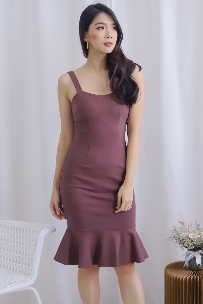 Lamis Strap Mermaid Dress In Mauve