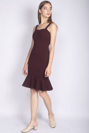 Lamis Strap Mermaid Dress In Wine Red