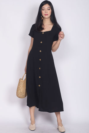 Lauretta Diamond Neck Maxi Dress In Black