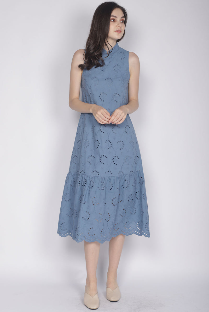 Leisha Eyelet Removable Collar Dress In Ash Blue