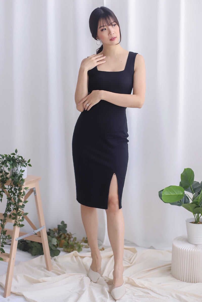 Lilura Zip Slit Dress In Black