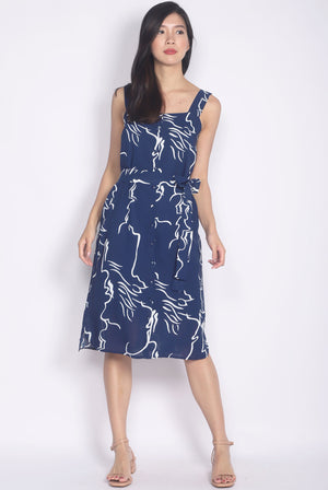 Madigan Scribble Buttons Shift Dress In Navy Blue