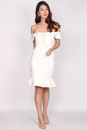 Magdolna Off Shoulder Ruffle Mermaid Dress In White