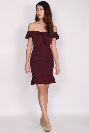 Magdolna Off Shoulder Ruffle Mermaid Dress In Wine Red