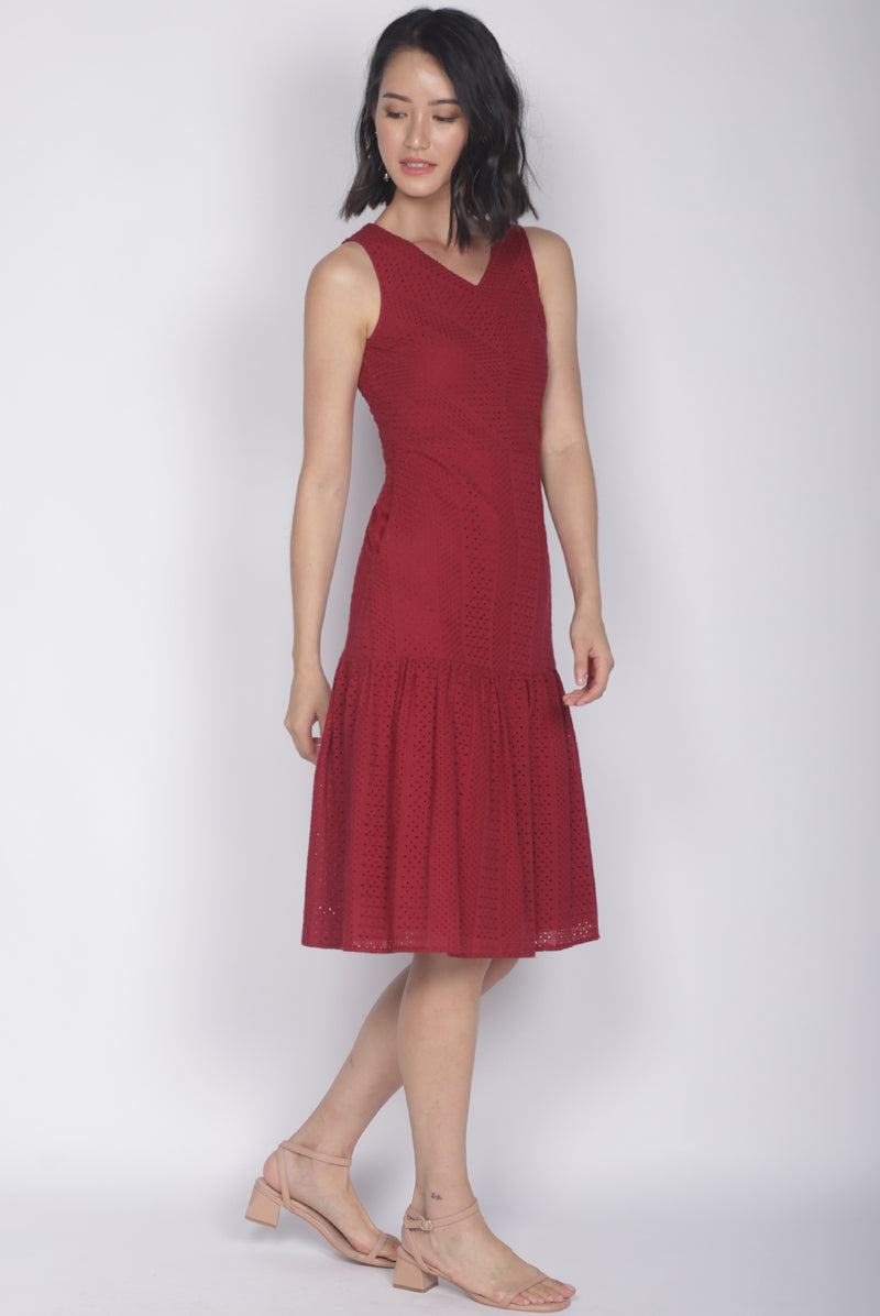 Meadow Eyelet Dress In Wine Red