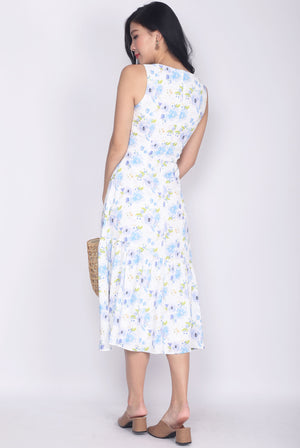 Minette Watercolour Floral Buttons Midi Dress In Blue