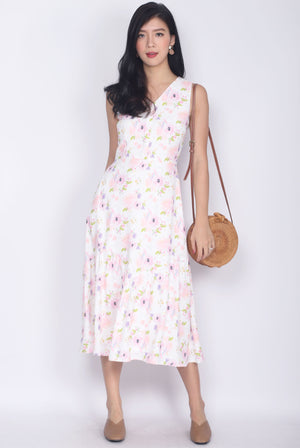 Minette Watercolour Floral Buttons Midi Dress In Pink