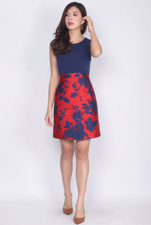 Missenta Two Tone Floral Dress In Navy Blue