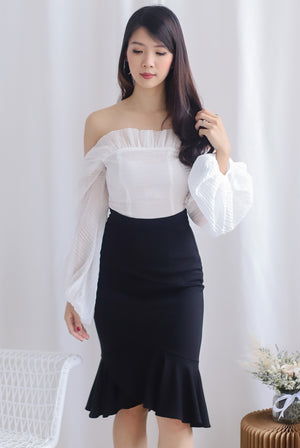 *Premium* Narelle Pleated Off Shoulder Top In White