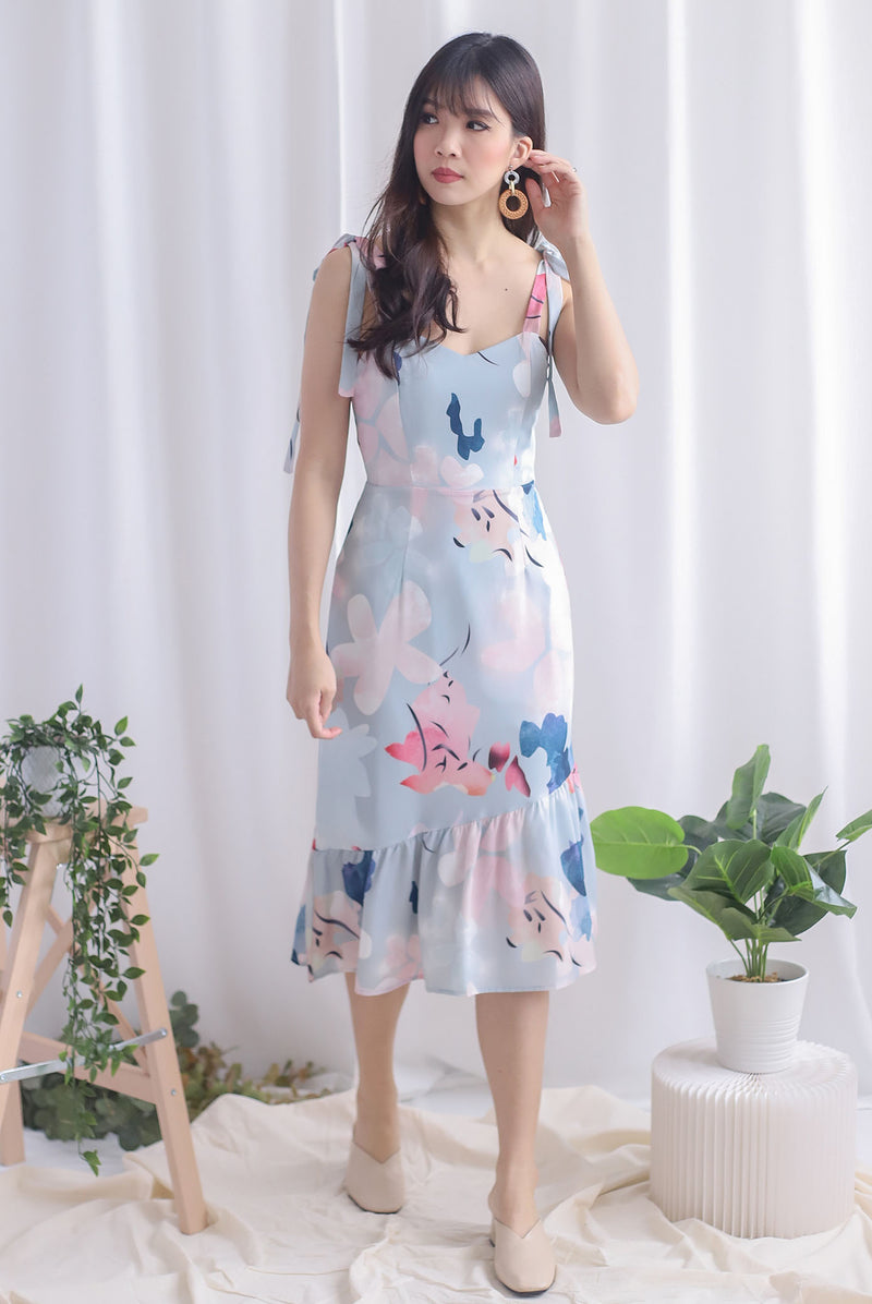 Novalee Floral Tie Shoulder Dress In Ash Blue