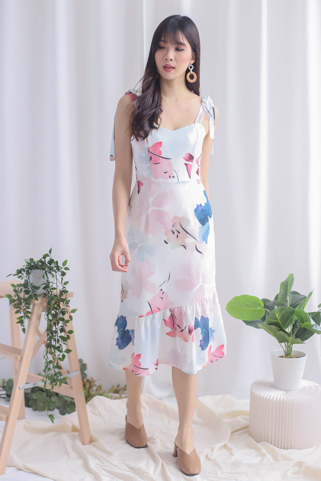 Novalee Floral Tie Shoulder Dress In Pink