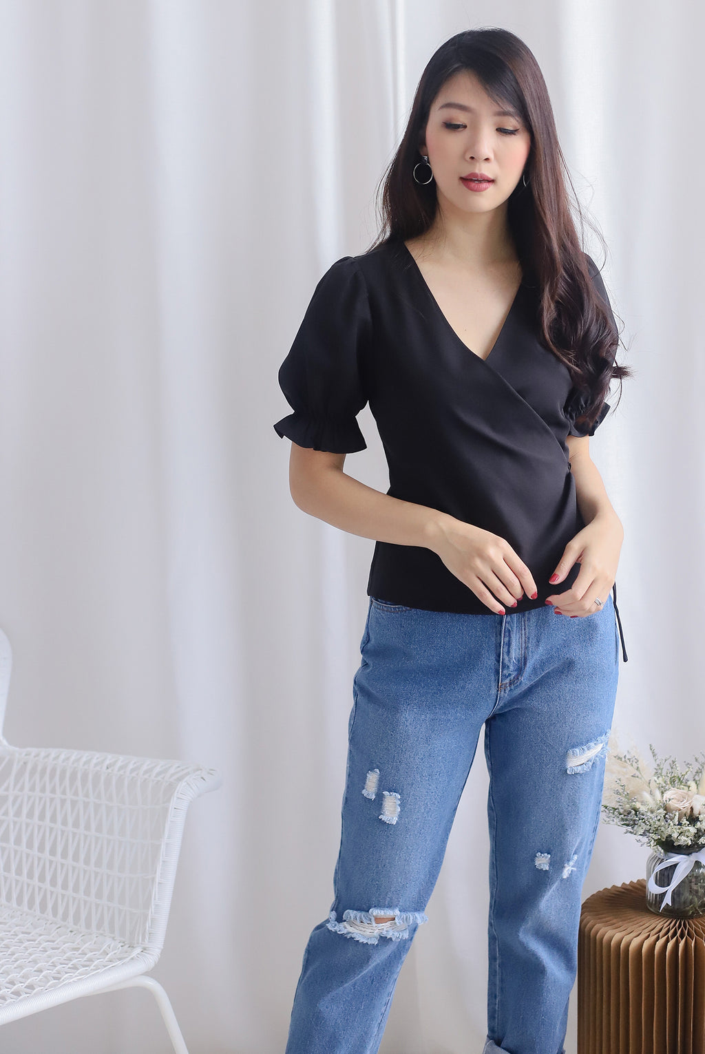 Oaklee Puffy Sleeve Wrap Top In Black