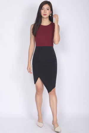 Odetta Origami Pleated Slit Dress In Wine/Black
