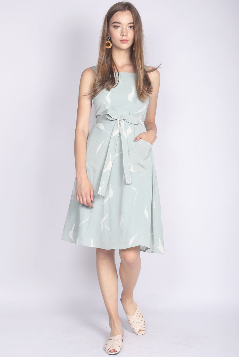 Pearson Front Pockets Skater Dress In Sage