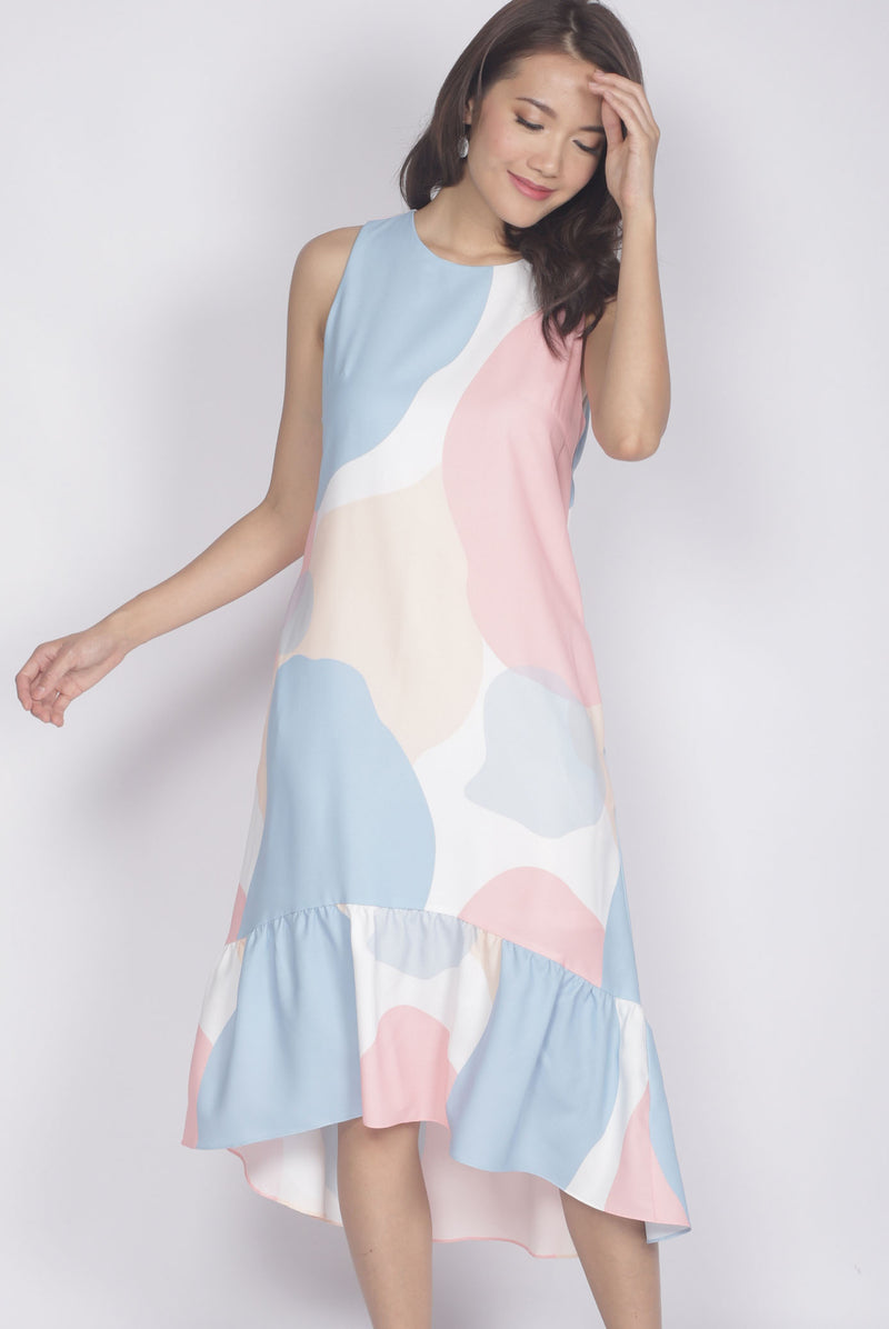 Pegeen Abstract Drop Hem Dress In White