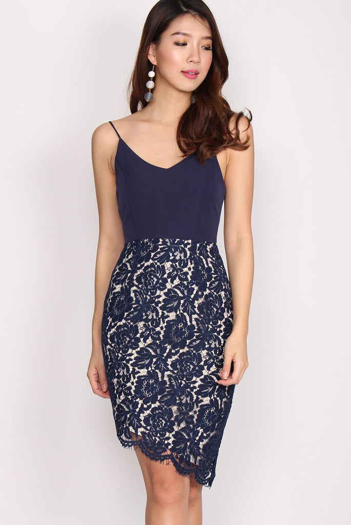 Portia Asymm Lace Spag Dress In Navy Blue