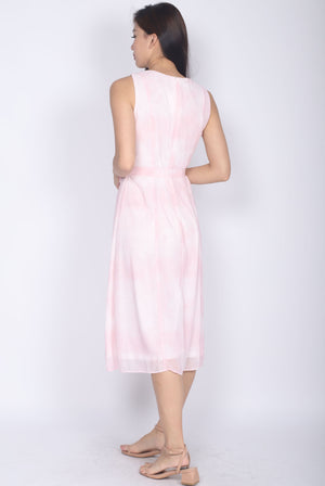 Pris Watercolour Buttons Dress In Pink