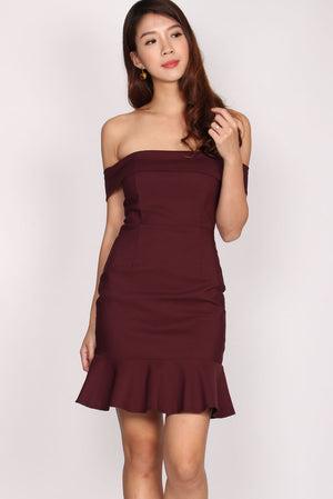 Rachell Off Shoulder Mermaid Dress In Wine Red