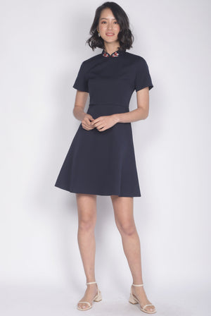 Ranee Goldfish Removable Oriental Collar Dress In Navy Blue