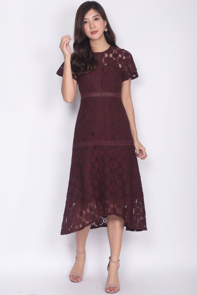 Revvie Hi Lo Lace Sleeve Midi Dress In Deep Wine