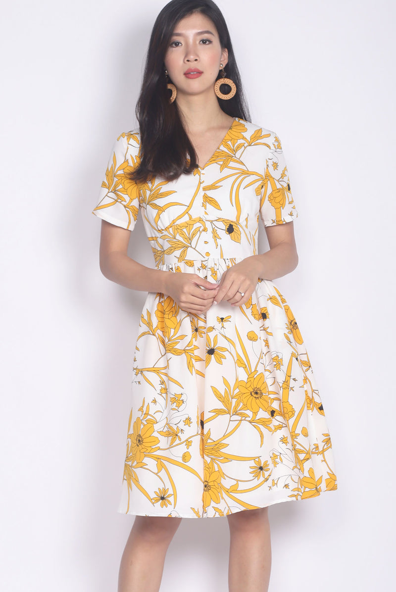Sayori Floral Buttons Waistband Dress In Yellow