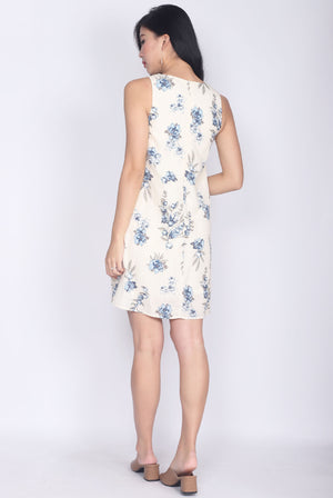 Sesmarie Floral Shift Dress In Cream