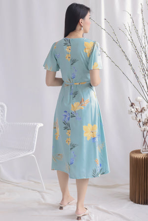 TDC Charlotte Floral Sleeved Buttons Dress