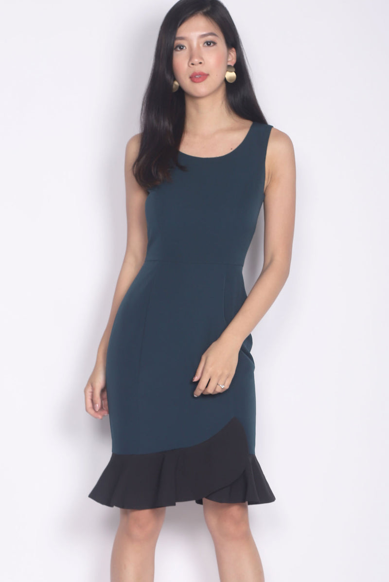 TDC Balthana Stacked Hem Mermaid Dress In Forest/Black