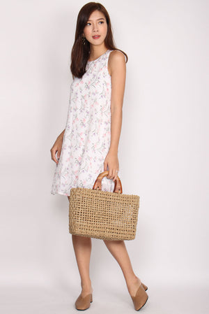 TDC Helrene Trapeze Dress In White Floral