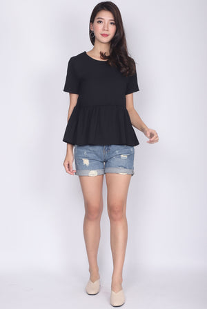 TDC Jadwiga Babydoll Sleeve Top In Black