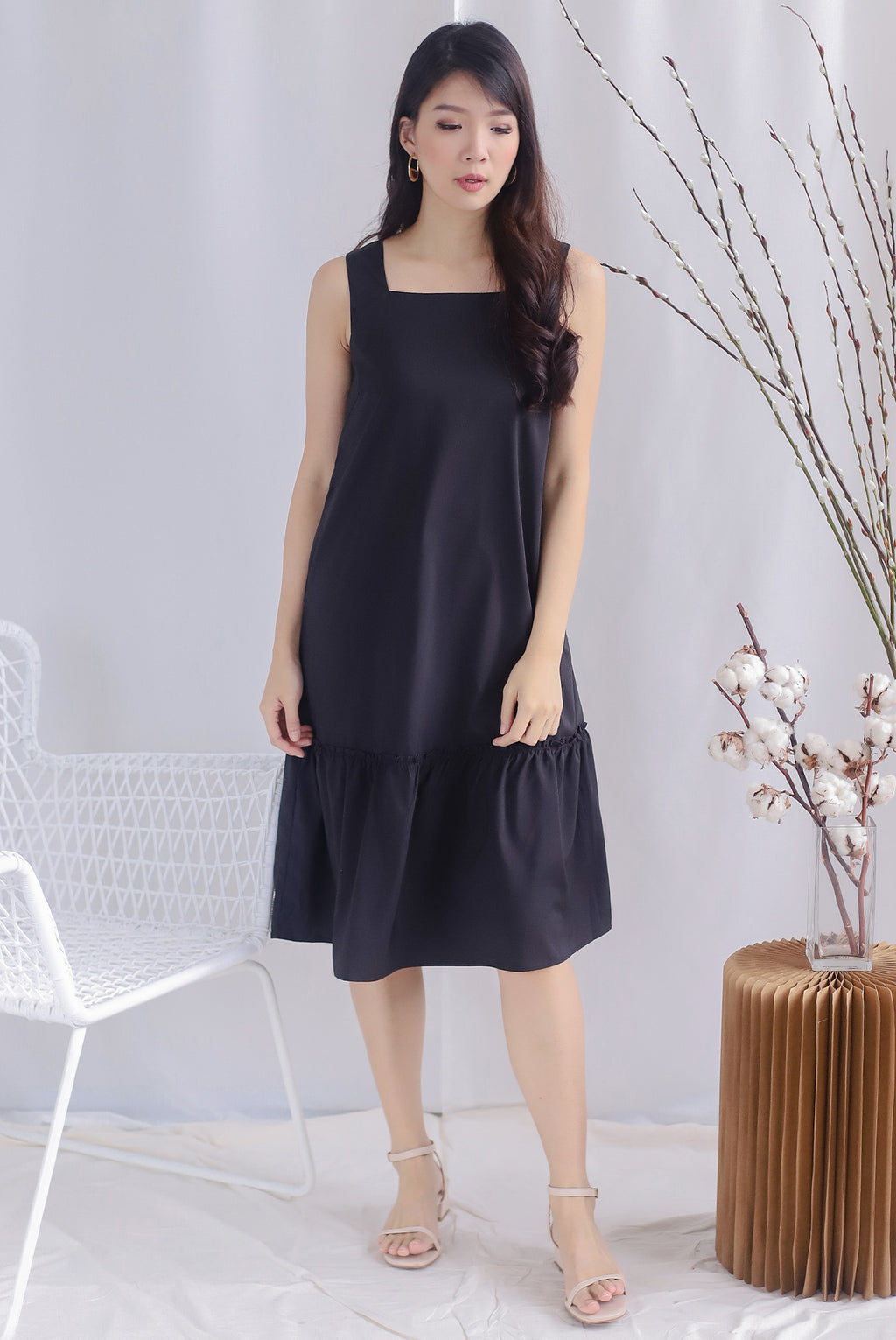 Talia Square Neck Drop Hem Dress In Black