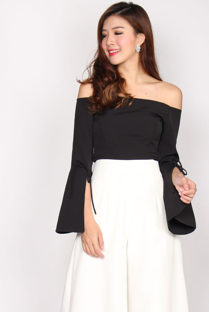 Tansy Tie Bell Sleeve Top In Black