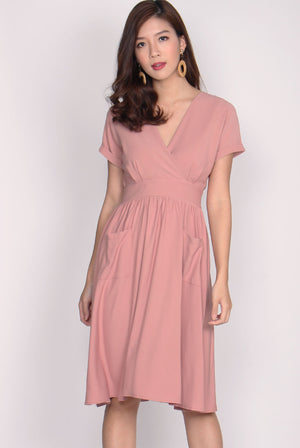 Tasmin Kimono Pockets Dress In Powder Pink